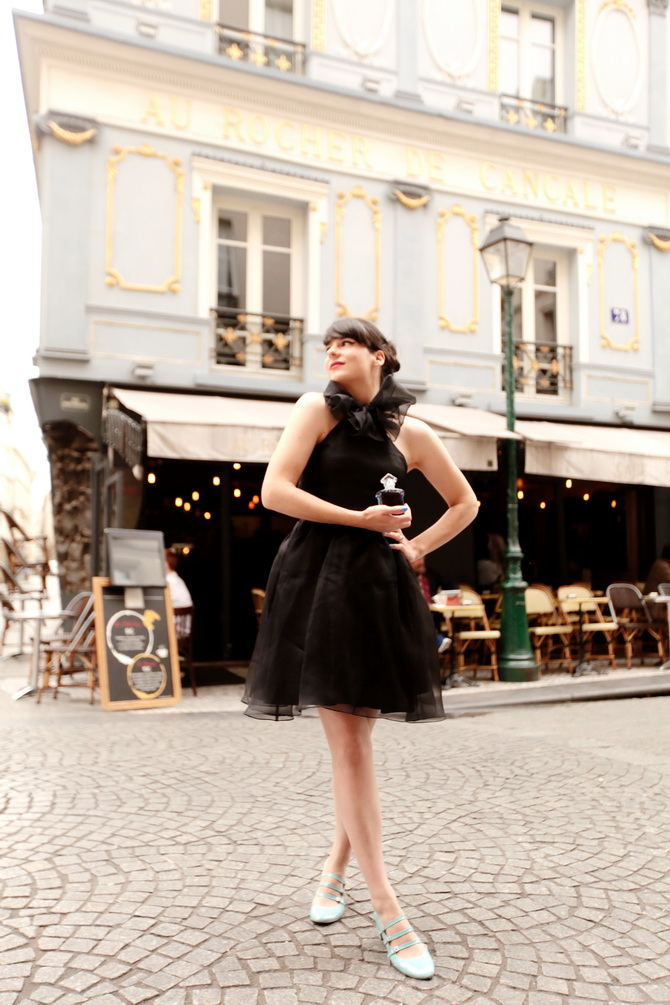 The Cherry Blossom Girl - La Petite Robe Noire 03
