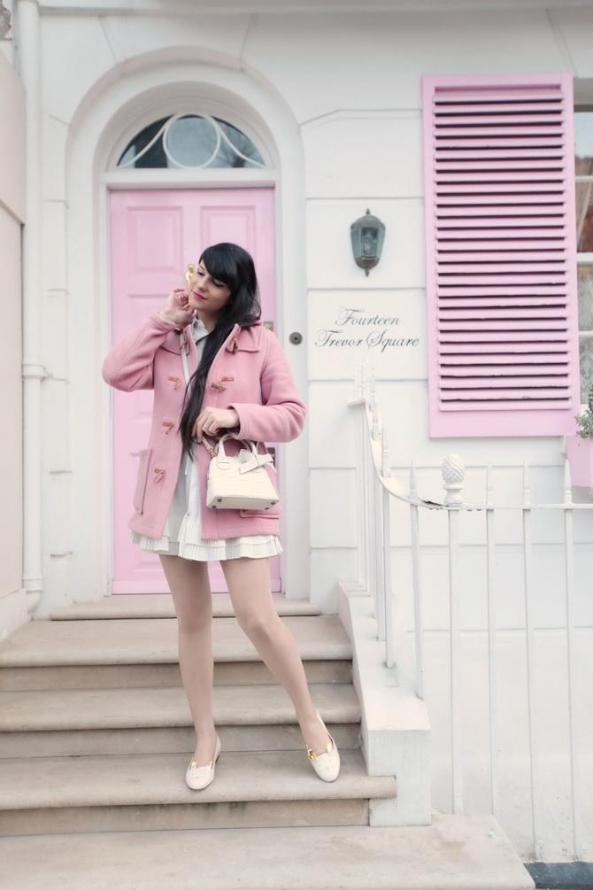 the-cherry-blossom-girl-london-pink-door-03