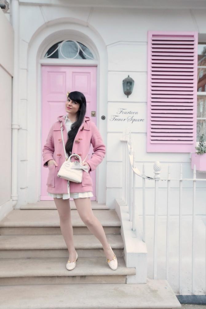 the-cherry-blossom-girl-london-pink-door-04
