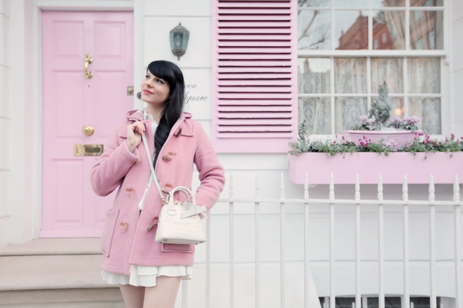 the-cherry-blossom-girl-london-pink-door-05