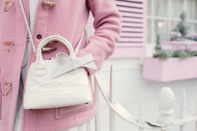 the-cherry-blossom-girl-london-pink-door-07