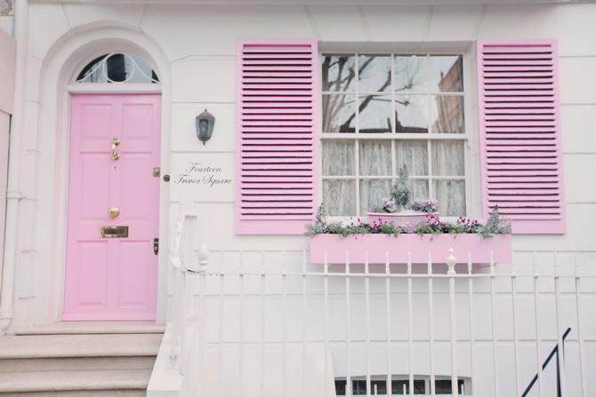 the-cherry-blossom-girl-london-pink-door-09