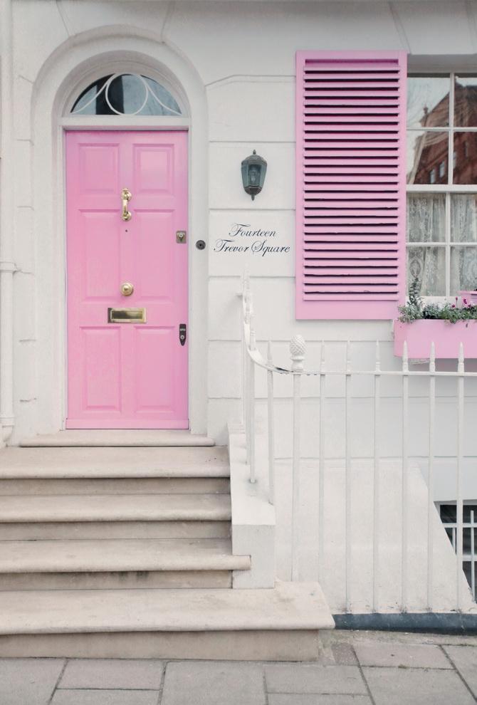 the-cherry-blossom-girl-london-pink-door-11