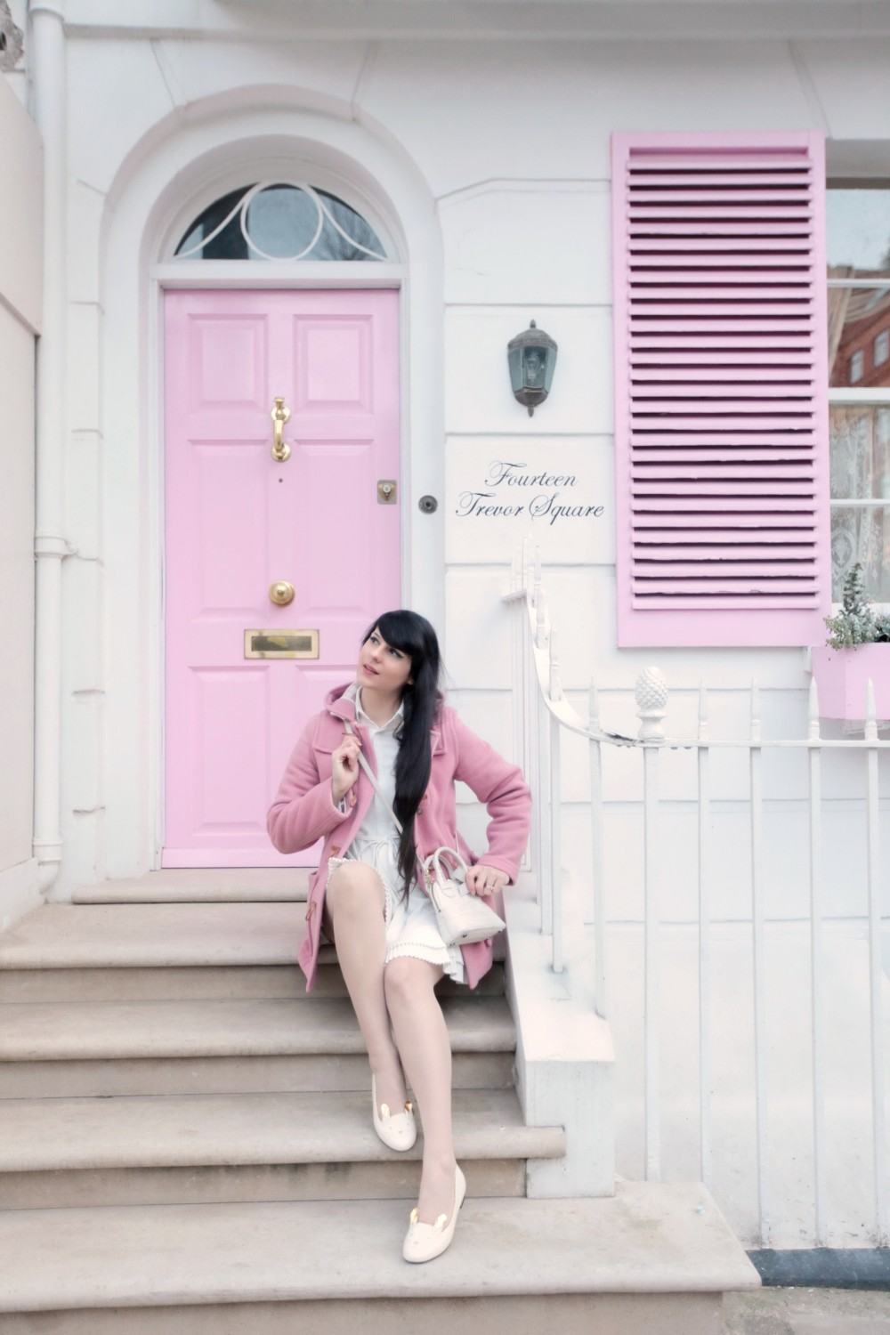 the-cherry-blossom-girl-london-pink-door-17